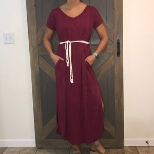 Burgundy ankle dress with pockets